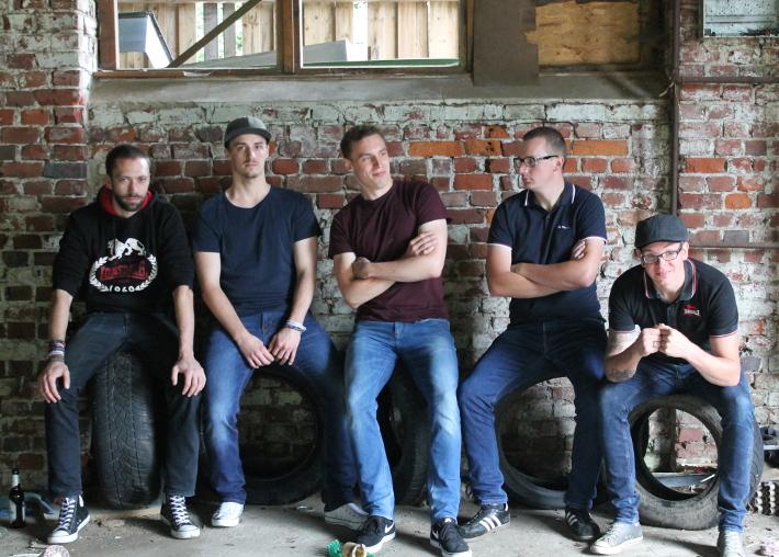 Die Koerper (v. l. n. r.: Sascha, Erik, Florian, Jonas, Ecky)